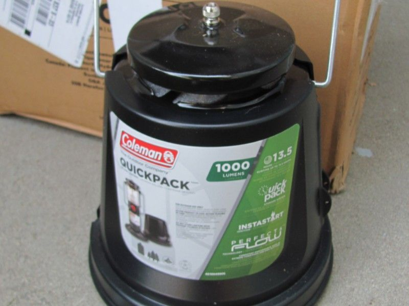 NEW!~~Coleman 2-Mantle QuickPack™ Lantern-WITH BOX-1,000 LUMENS 13.5 HR. RUNTIME