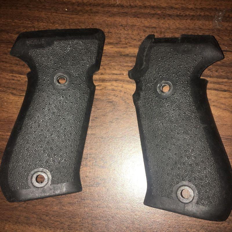 Sig P220 Pachmayr Grips