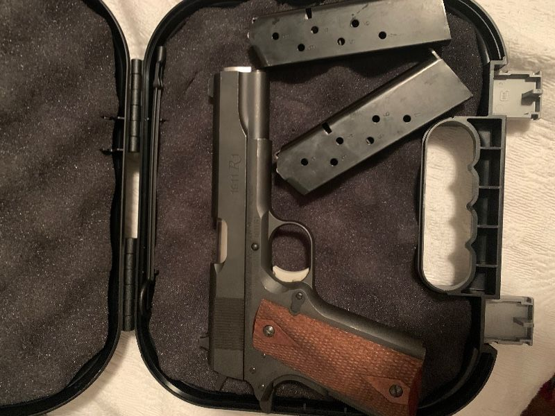 Remington R1 1911  and Smith and Wesson sdv40