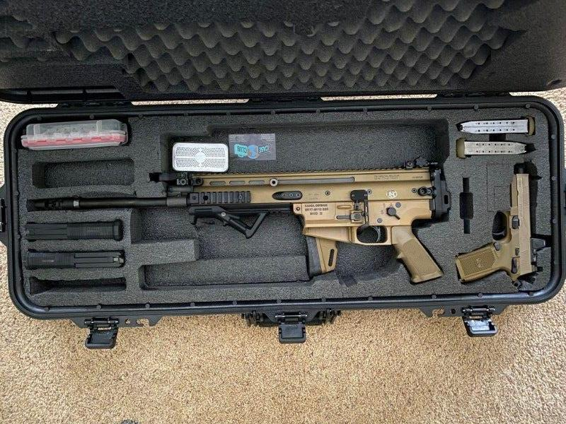 SCAR17 7.62 w/ case included