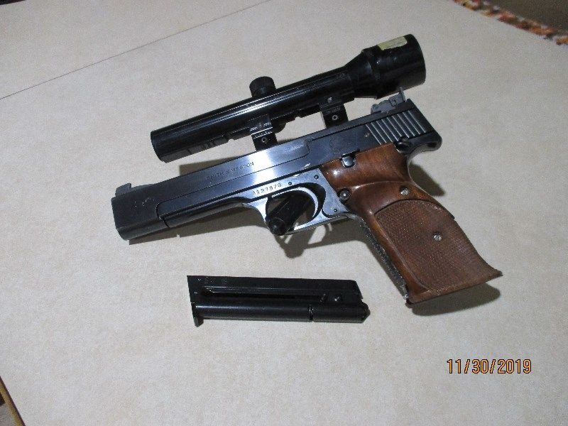 PRICE REDUCED  Smith & Wesson Model 41