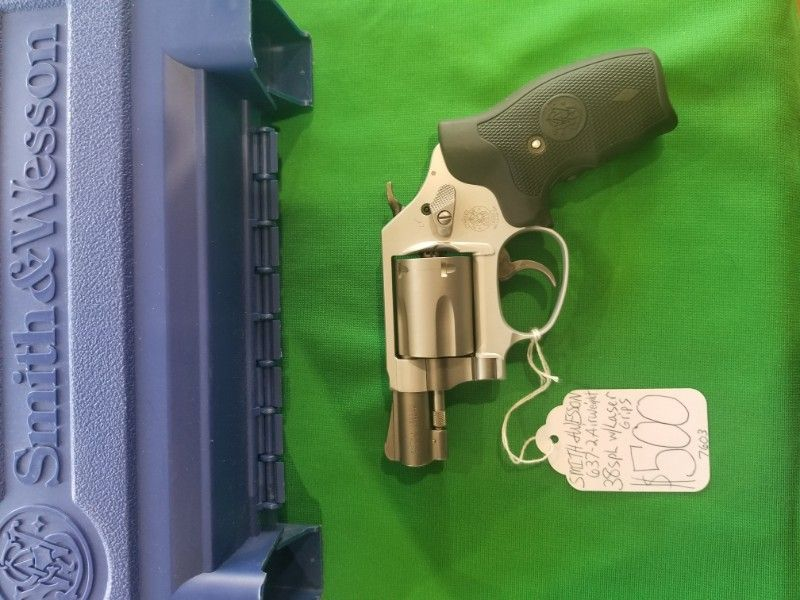 Smith & Wesson 637-2 Airweight 38spl w/Laser