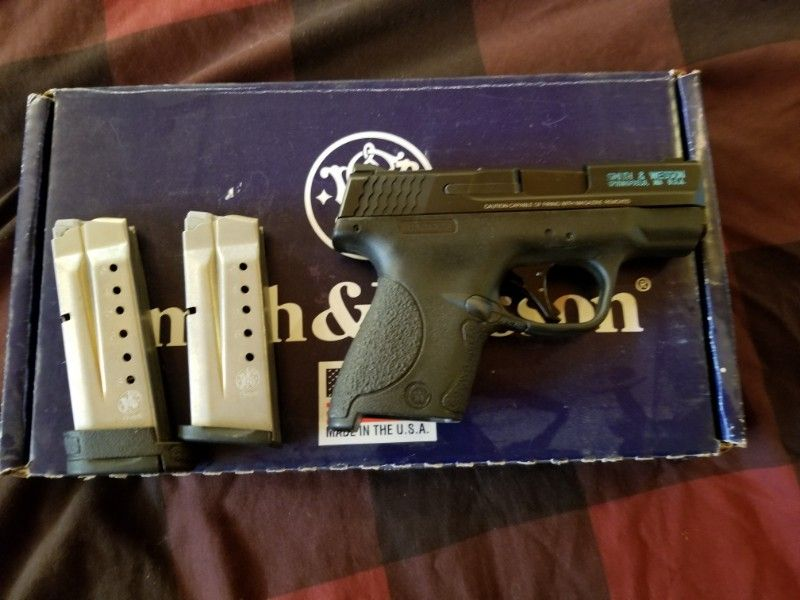 Smith & Wesson 1st gen SHIELD 9mm