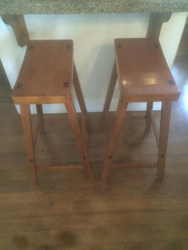 Hard Wood Kitchen Counter Stool