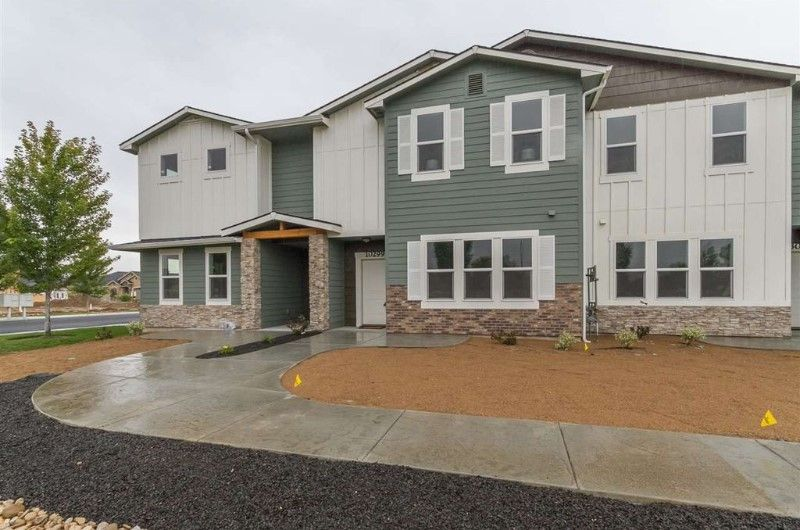 10299 W Carlton Bay Drive, Garden City, ID 83714